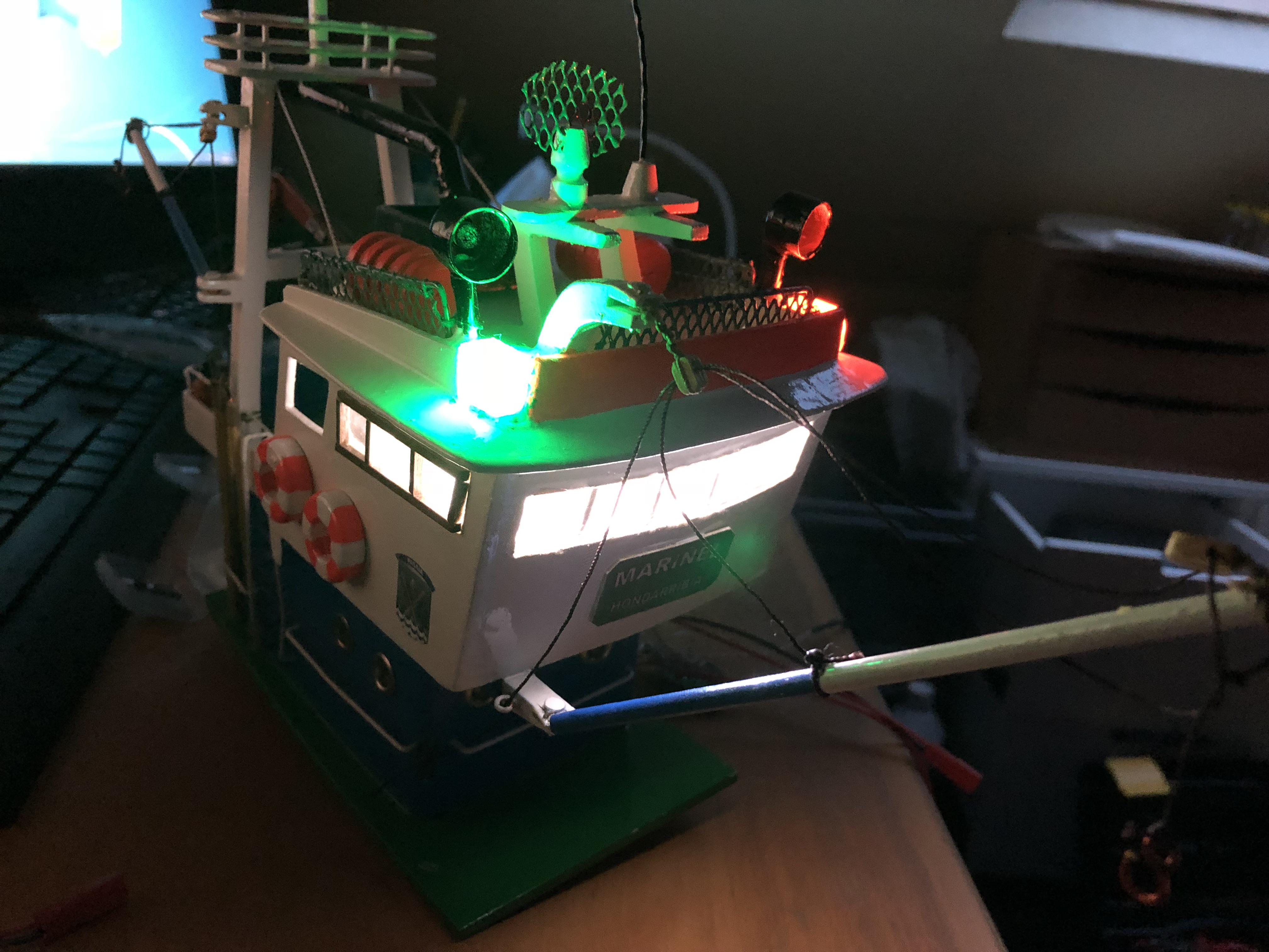Atunero Cabina Iluminada